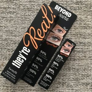 Benefit they are real! Mascara